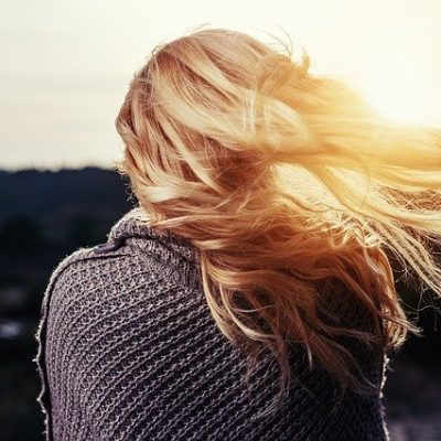How To Maintain Blonde Highlights So They Last Longer